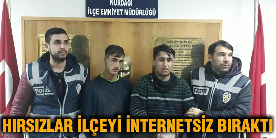Hırsızlar ilçeyi internetsiz bıraktı