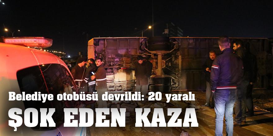 Belediye otobüsü devrildi: 20 yaralı