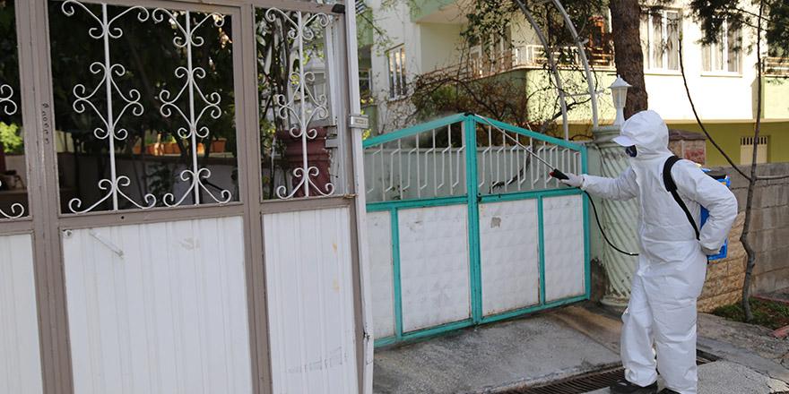 Nizip'te ev ve işyerleri dezenfekte ediliyor