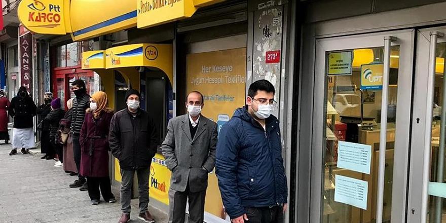 PTT'den evlere ücretsiz maske