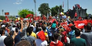 Gaziantep'te darbe girişimi protesto edildi