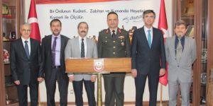 Rektör Gür'den Tuğgeneral Ekiyor'a hayırlı olsun ziyareti