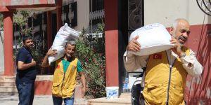 Sınıra gıda yardımı