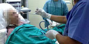 Uyurken boğazına diş protezi kaçtı