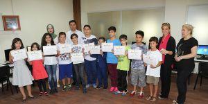 Başarılı öğrencilere sertifika