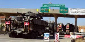 Tankların sınıra sevkiyatı sürüyor