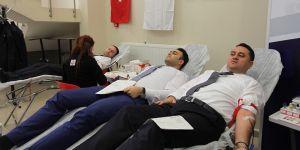 Kan bağışı için sıraya girdiler