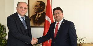 Milletvekili Nejat Koçer'den Baro Başkanı İskender Kahraman'a taziye ziyareti