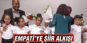 EMPATİ'YE ŞİİR ALKIŞI