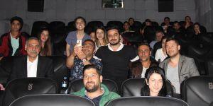 Korku filminin başrol oyuncusu seyircileri korkuttu