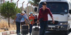Suriyelilerin bayram sonrası Türkiye'ye dönüşleri başladı