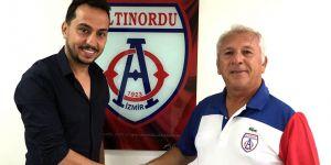 Altınordu futbol okulu Gaziantep'te açıldı