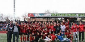 Gazikent'te ligde kalma sevinci yaşanıyor