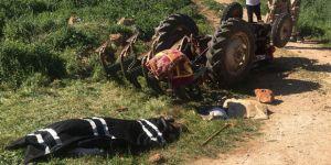 Traktör taşa çarptı;1 Ölü
