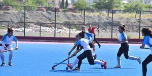 Hokey Gençler Türkiye Şampiyonası başladı
