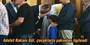 Adalet Bakanı Gül, Bayram namazını Enes Bin Malik Cami'nde kıldı