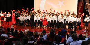 Sanko Okulları Cumhuriyeti kutladı