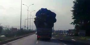 Kamyonun trafikte tehlikeli anları