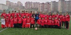 Kızların şampiyonu Arif Nihat Asya