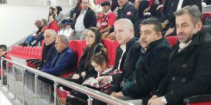 Vali Gül Tekerlekli Sandalye maçını izledi