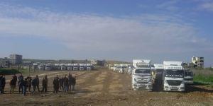 Türk şoförler Suriye'de mahsur kaldı