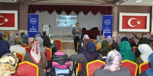 Öğrenci velilerine seminer