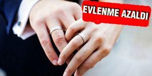 Evlenme azaldı