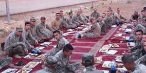 Kadınlardan askerlere iftariyelik