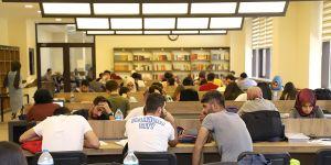 Gençlere kütüphane çağrısı