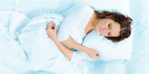 Türkler yan yatıp 7,5 saat uyuyor