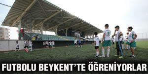 Futbolu Beykent'te öğreniyorlar