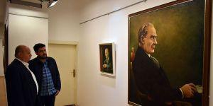 Atatürk portreleri sergisine büyük ilgi