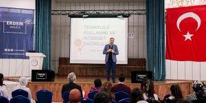 Erdem'de internet bağımlılığı semineri