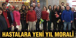Hastalara yeni yıl morali