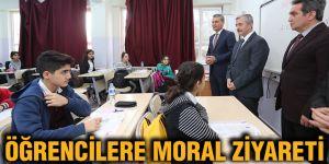 Öğrencilere moral ziyareti