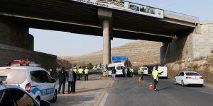 İşçileri taşıyan araç kaza yaptı