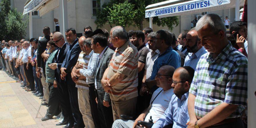 Muhammed Mursi için Gaziantep'te gıyabi cenaze namazı kılındı
