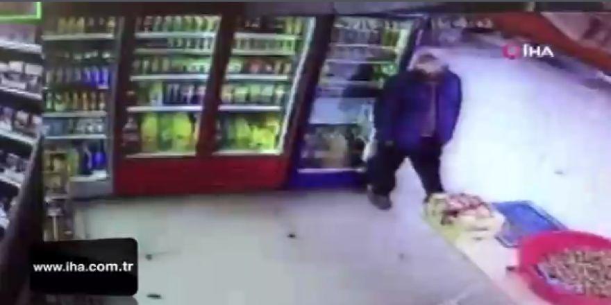 Terazi hırsızı kameraya yakalandı