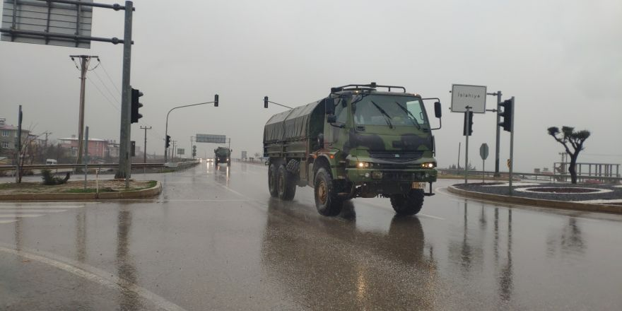 Suriye sınırına zırhlı araç sevkıyatı