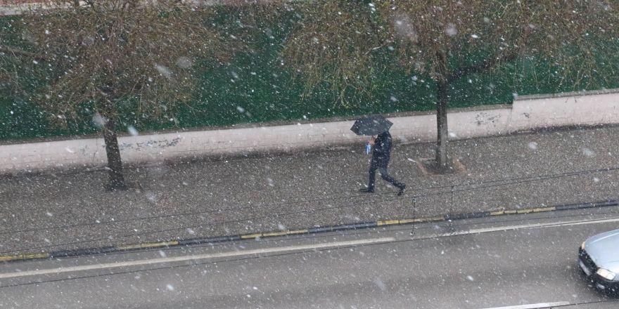 Gaziantep'te kar yağışı başladı