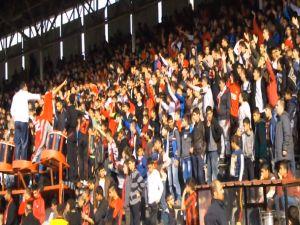 Gaziantepspor taraftarı yönetimi istifaya davet etti