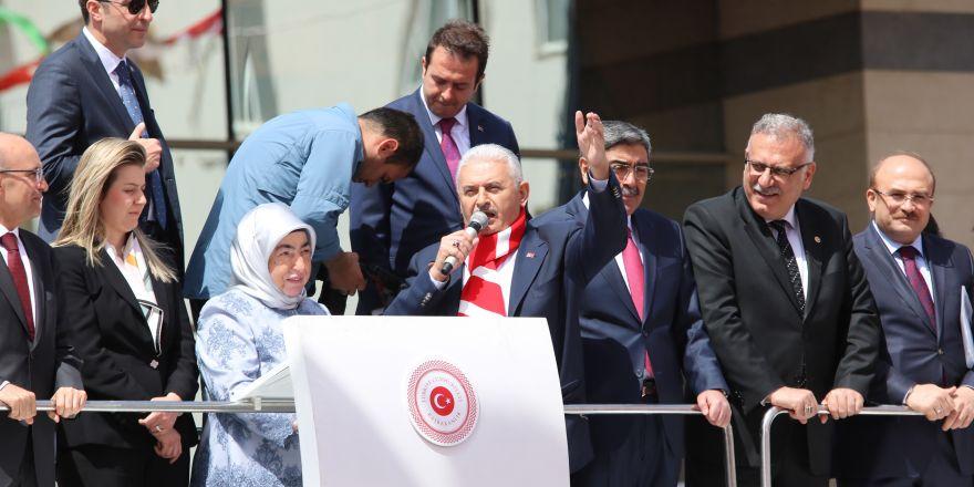 Başbakan Yıldırım Gaziantep'e müjde üstüne müjde verdi