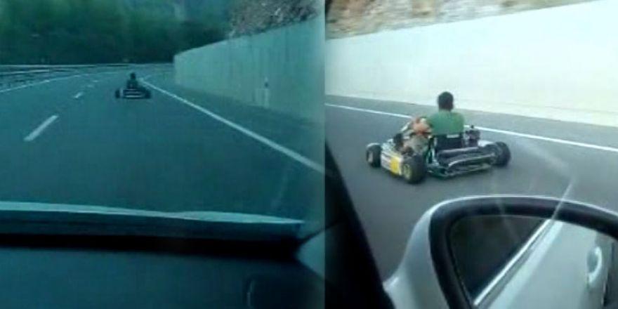 Karayolunda şok görüntü!.. Saatte 100 km hızla giderken görüntülendi!