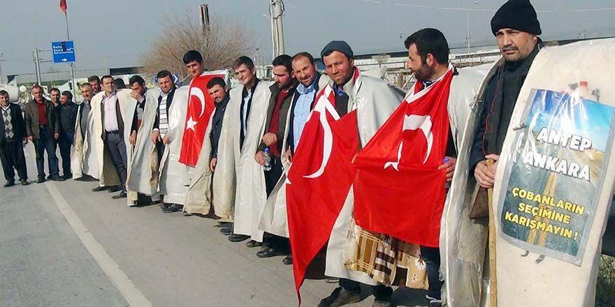 Hak aramak için Ankara'ya yürüyüş başlattı