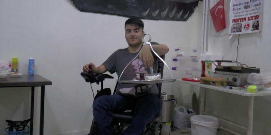 Bu kafede engelliler hem çalışıyor hem de sosyalleşiyor