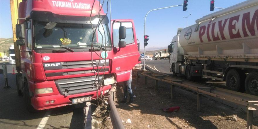 Otoban girişinde kaza: 1 yaralı