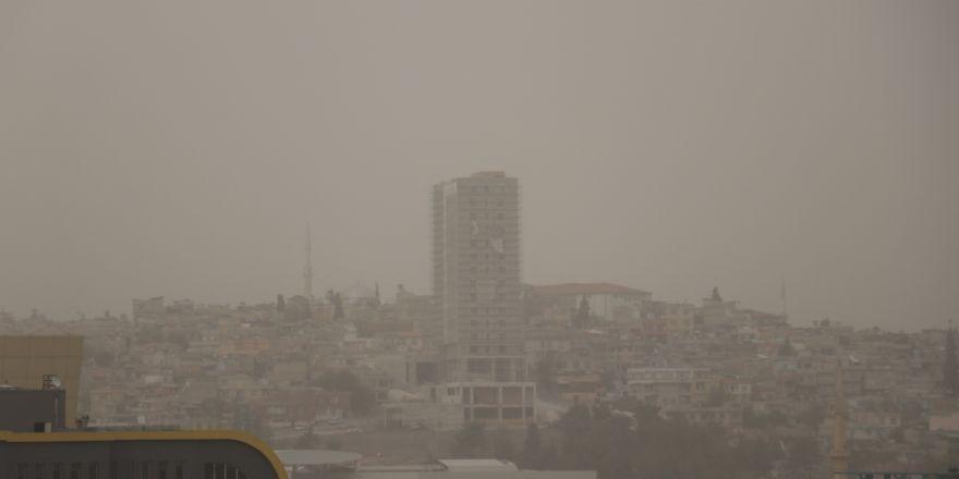 Gaziantep'te toz bulutu hayatı olumsuz etkiledi